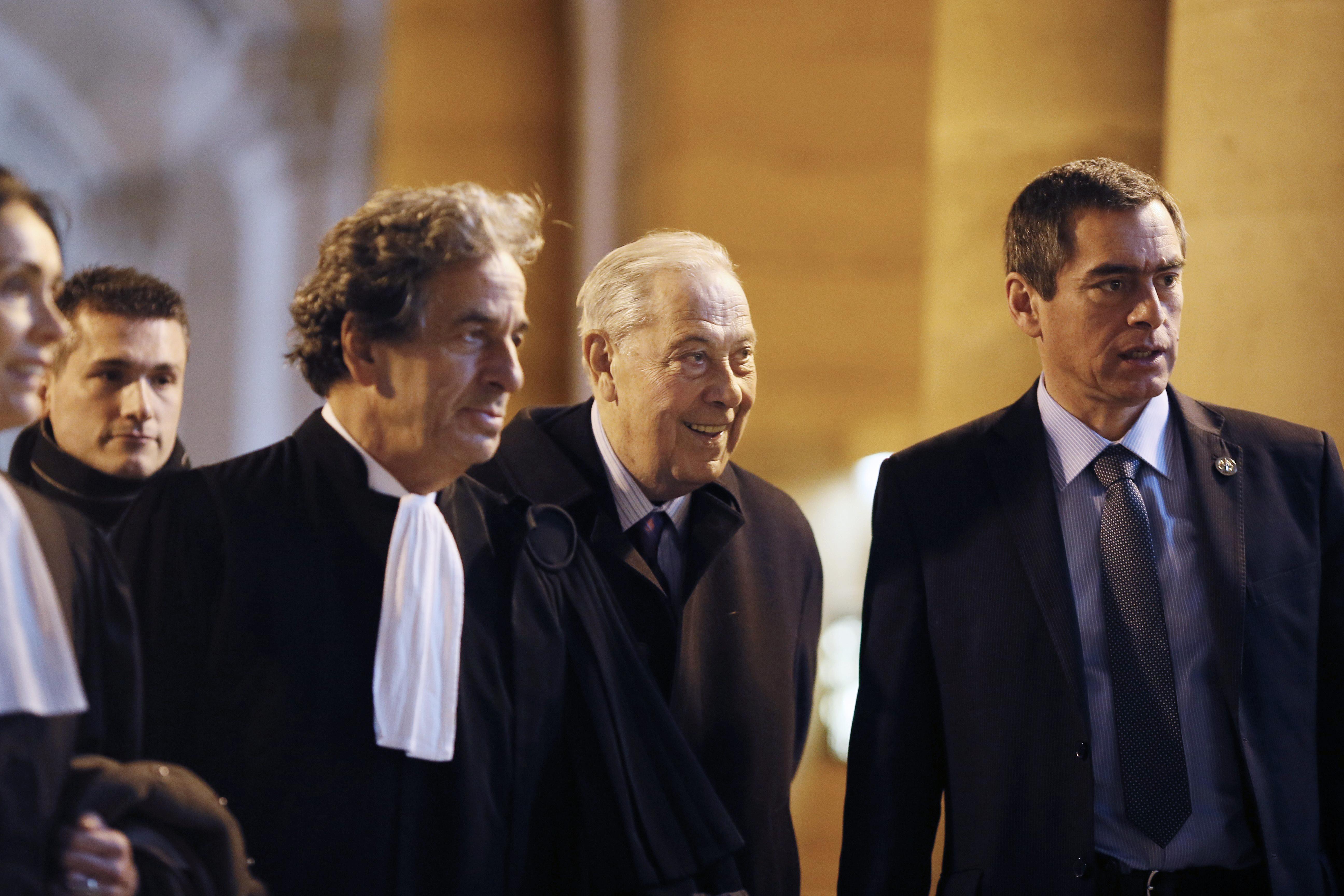 D c s de l 39 ex ministre fran ais de l 39 int rieur charles for Ministre francais