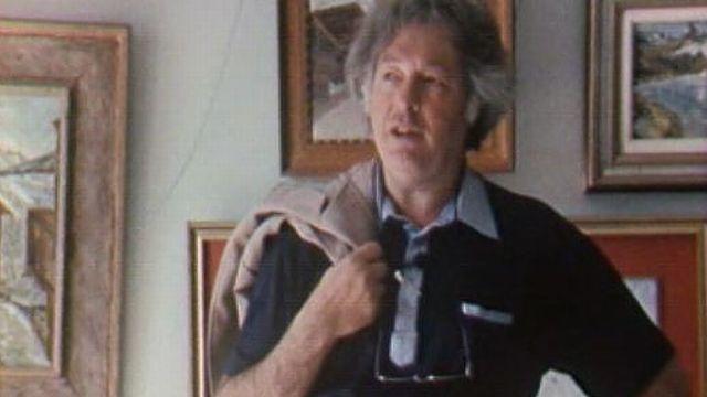 Narcisse Praz devant ses tableaux en 1985 [RTS]
