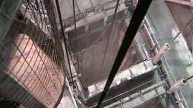 Un ascenseur permettra aux ouvriers d'accéder au chantier.