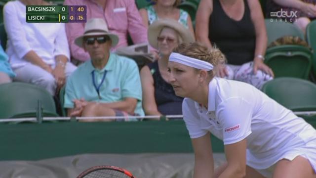 3e tour, Timea Bacsinszky (SUI) - Sabine Lisicki (ALL) (2-0): très bonne entame de match de la Suissesse qui fait le break dès le premier jeu [RTS]