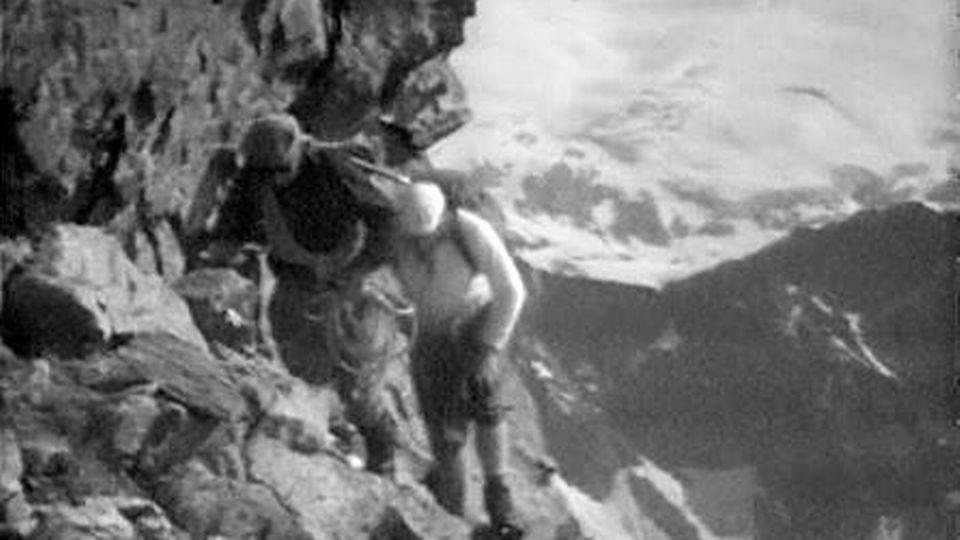 Ascension commémorative du Cervin en 1965. [RTS]