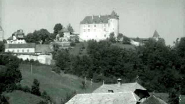 Le château de Gruyère en 1964. [RTS]