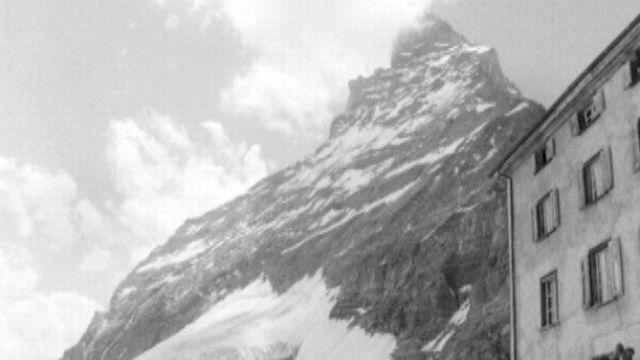 Le Cervin filmé en 1965. [RTS]