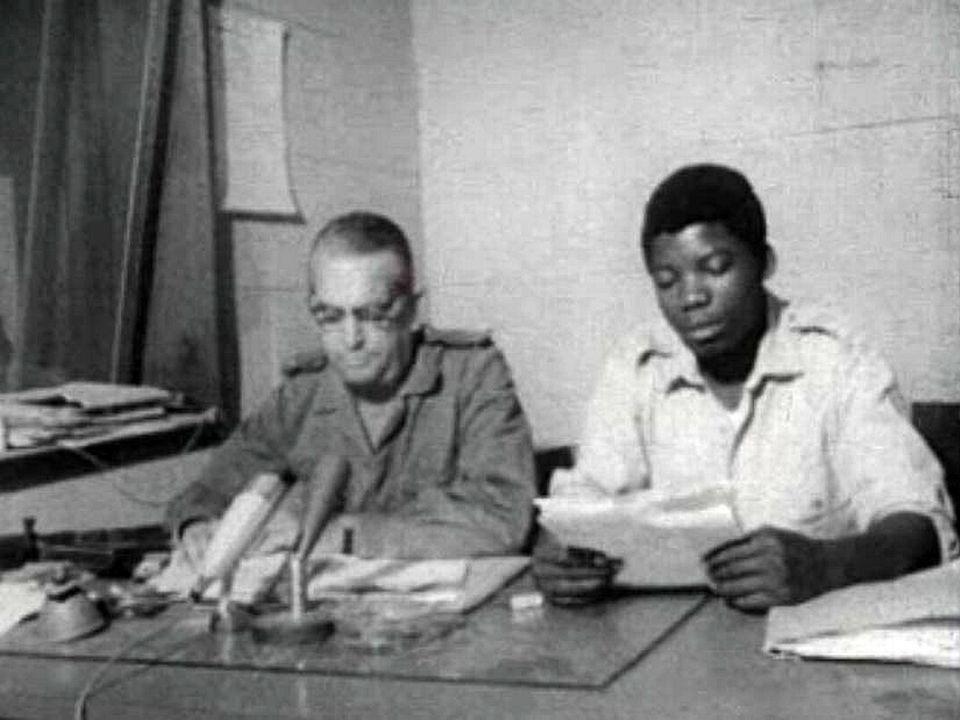 Une année charnière, Mobutu prend le pouvoir à Kinshasa.