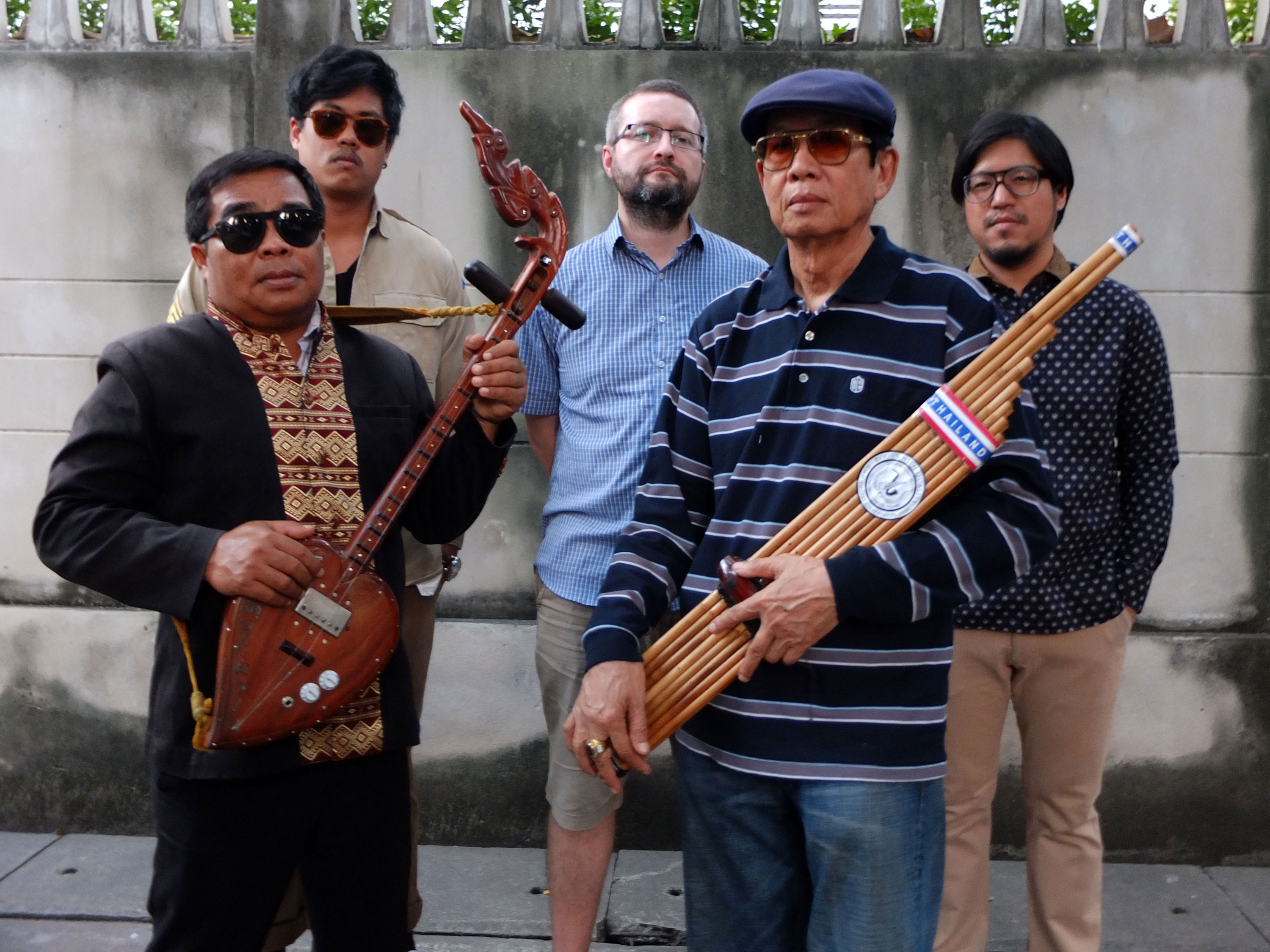 The Paradise Bangkok Molam International Band, programmé au Village du Monde lors du Paléo 2015.