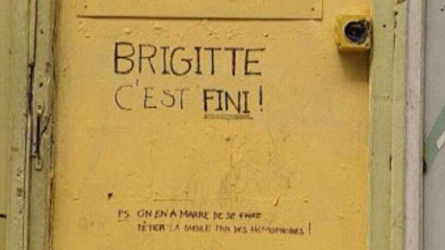 Fermeture en avril 1998 du bar gay Le Brigitte à Genève. [RTS]