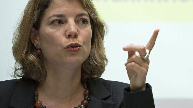 Manon Schick s'exprime sur la politique d'asile, le 13 novembre 2012 à Berne. [Peter Schneider - Keystone]