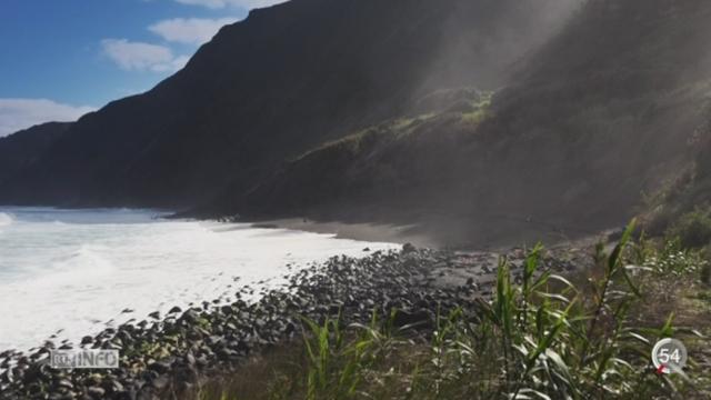 Une mission franco-suisse évalue la pollution au plastique dans l'océan Pacifique [RTS]