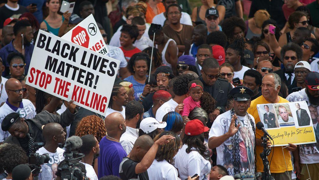 Black Lives Matter, le mouvement qui bouscule la campagne aux ...