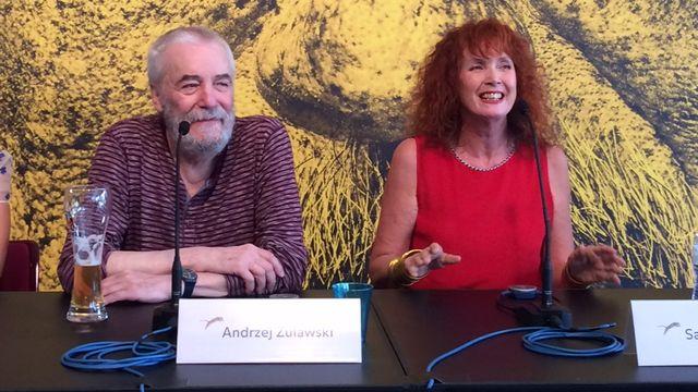 """Le réalisateur Andrzej Zulawski et la comédienne Sabine Azéma lors de la conférence de presse du film """"Cosmos"""" au Festival de film de Locarno (2015). [Raphaële Bouchet - RTS]"""