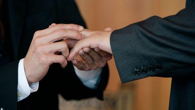 Plus de 70% des utilisateurs poltibox se disent pour le mariage gay en Suisse. [Martial Trezzini - Keystone]