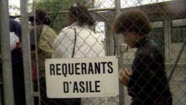 Un centre de requérants d'asile à Cointrin en 1992. [RTS]