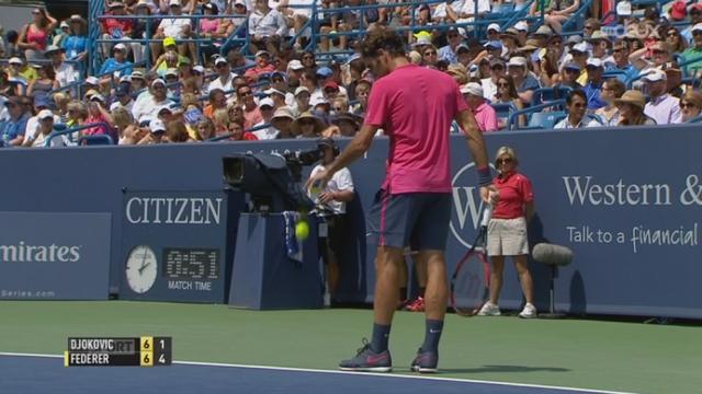 Finale, Djokovic - Federer (6-7) :  Federer remporte la 1re manche au tie-break 7 points à 1 [RTS]