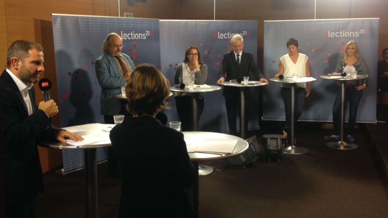 Les participants au grand débat de Forum sur l'immigration en direct de Morges. [Zoé Decker - RTS]
