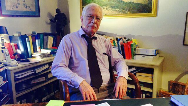 Le psychiatre Franco Renato Gusberti vient en aide aux médecins en difficulté. [Sophie Iselin - RTS]