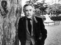 Romain Gary (1914-1980), écrivain français. Paris, 2 mai 1974. [AFP / Jean-Régis Roustan / Roger-Viollet]