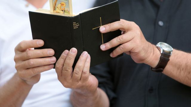 Comment concilier homosexualité et foi? [Catherine Leblanc - Photononstop / AFP]