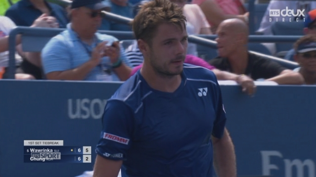 2e tour: Stan Wawrinka (SUI-5) - Hyeon Chung (KOR) (7-6). Wawrinka remporte le tie-break (7-3) dès sa 1re balle de set face à un adversaire remuant [RTS]
