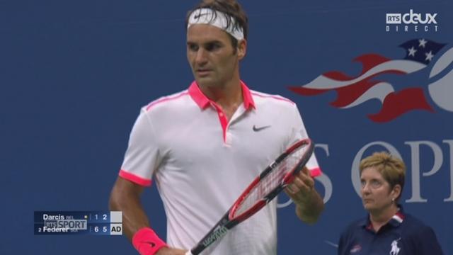 2e tour: Steve Darcis (BEL) - Roger Federer (SUI-2) (1-6 2-6). 54 minutes de jeu et la 2e manche est acquise avec la 2e balle de set [RTS]