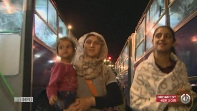 Des milliers de migrants ont pu quitter la Hongrie pour rallier l'Autriche [RTS]