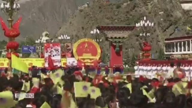 Parade pour les 50 ans de la région autonome du Tibet [RTS]