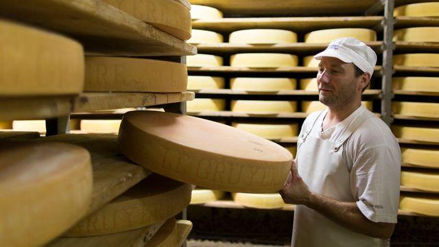 Malgré un contexte économique difficile, le Gruyère reste un fleuron de la gastronomie suisse. [Keystone]