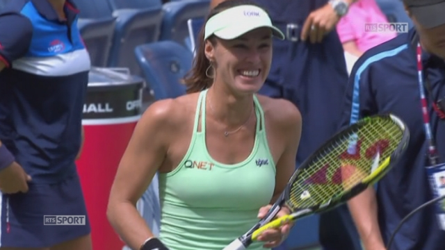 Finale double dames. Martina Hingis (SUI)-Sania Mirza (IND)-1) - Casey Dellacqua (AUS)-Yaroslava Shvedova (KAZ-4). (6-3). Hingis-Mirza remportent le 1er set en 31 minutes [RTS]