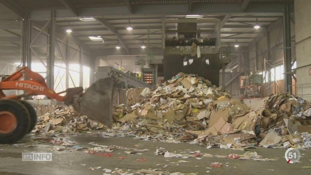 VD: depuis que la taxe au sac a été introduite, la quantité de déchets recyclés a augmenté [RTS]