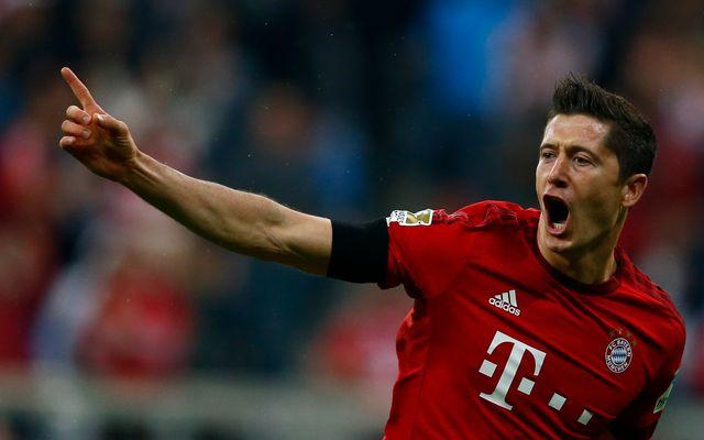 Lewandowski a inscrit le quintuplé le plus rapide de l'histoire de la Bundesliga. [Michael Dalder - Reuters]