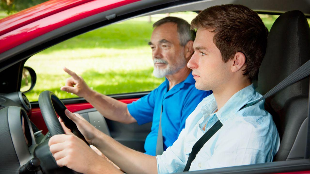Passer son permis, n'est plus une priorité chez les jeunes. [Alexander Raths - Fotolia]