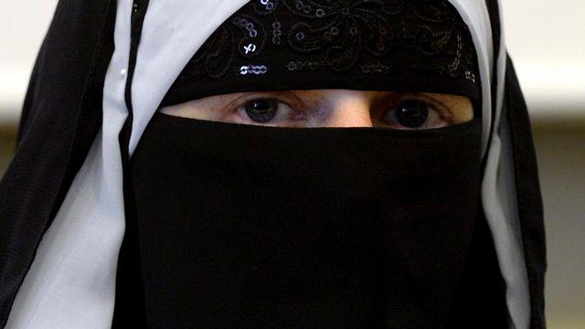 La gauche est divisée sur la question de la burqa. [Karl Mathis - Keystone]