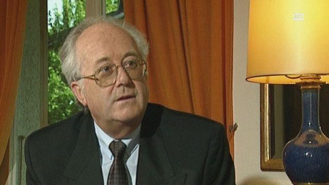 Eduquer les jeunes, l'ambition du scoutisme selon Jacques Moreillon en 1993. [RTS]