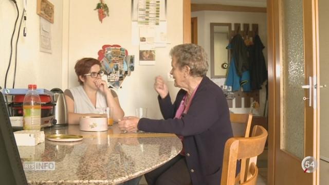 Pro Senectute dévoile le besoin croissant d'aide aux personnes âgées [RTS]