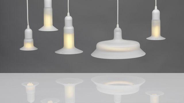 """""""Saving Grace"""", Adrien Rovero, 2008. Ampoules, verre sablé, câbles [© Musée de design et d'arts appliqués contemporains de Lausanne]"""