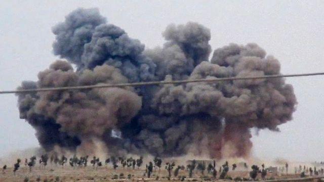 Des bombardements russes dans la province d'Idleb, dans le nord-ouest de la Syrie. [Hadi Al-Abdallah via AP - Keystone]
