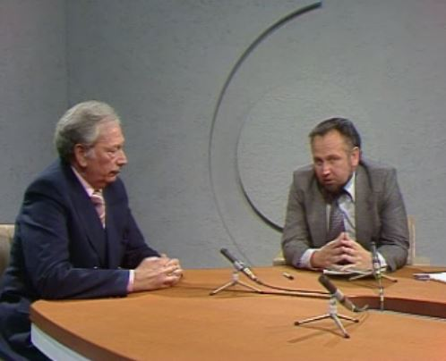 Un duo d'experts du football Jean-Jacques Tillmann et Max Marquis en 1977.