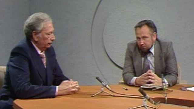 Un duo d'experts du football Jean-Jacques Tillmann et Max Marquis en 1977. [RTS]