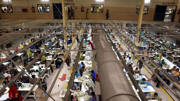 fermeture de 200 ateliers textiles au bangladesh depuis le rana plaza monde. Black Bedroom Furniture Sets. Home Design Ideas