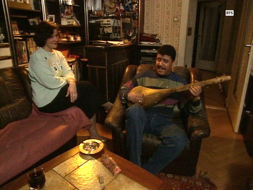 Un couple mixte suisse-maghrébin, en 1990. [RTS]