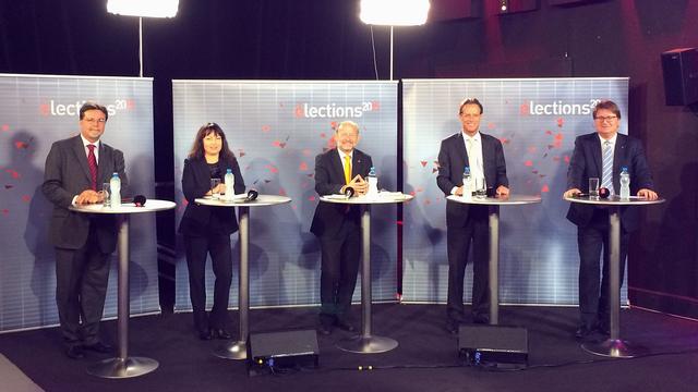 Les cinq invités du débat: Robert Cramer, Géraldine Savary, Dominique de Buman, Christian Lüscher et Claude-Alain Voiblet. [Michel Eymann - RTS]