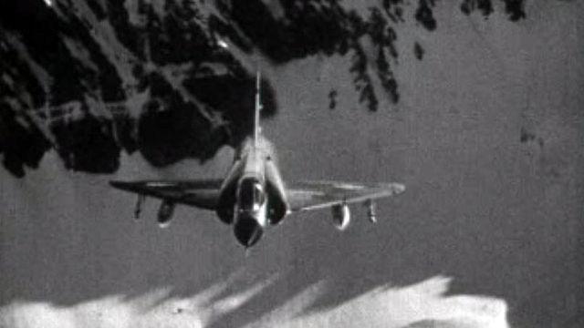 L'aviation suisse participe aux grandes manoeuvres militaires.
