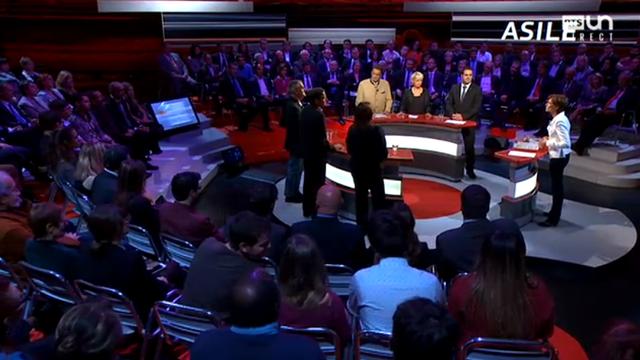 Trente candidats s'affrontent en direct dans un ultime débat avant les élections. [RTS]