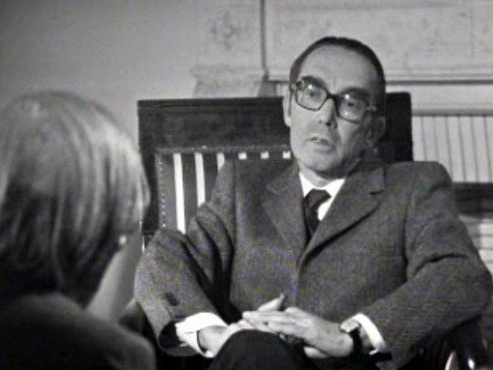 Psychiatre et directeur de Bel Air, il défend une certaine idée de la psychiatrie.