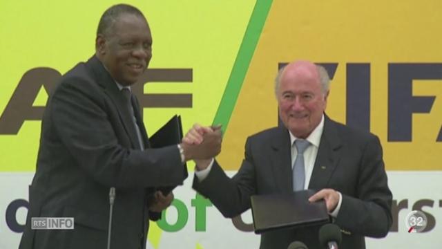 La commission d'éthique de la FIFA a suspendu Sepp Blatter et Michel Platini pour 90 jours [RTS]