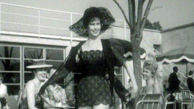 Les maillots de bain tendance de l'été 1960 à Vidy Lausanne.