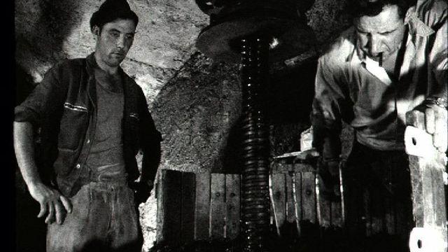 Un  pressoir à Branson, 1964. [RTS]