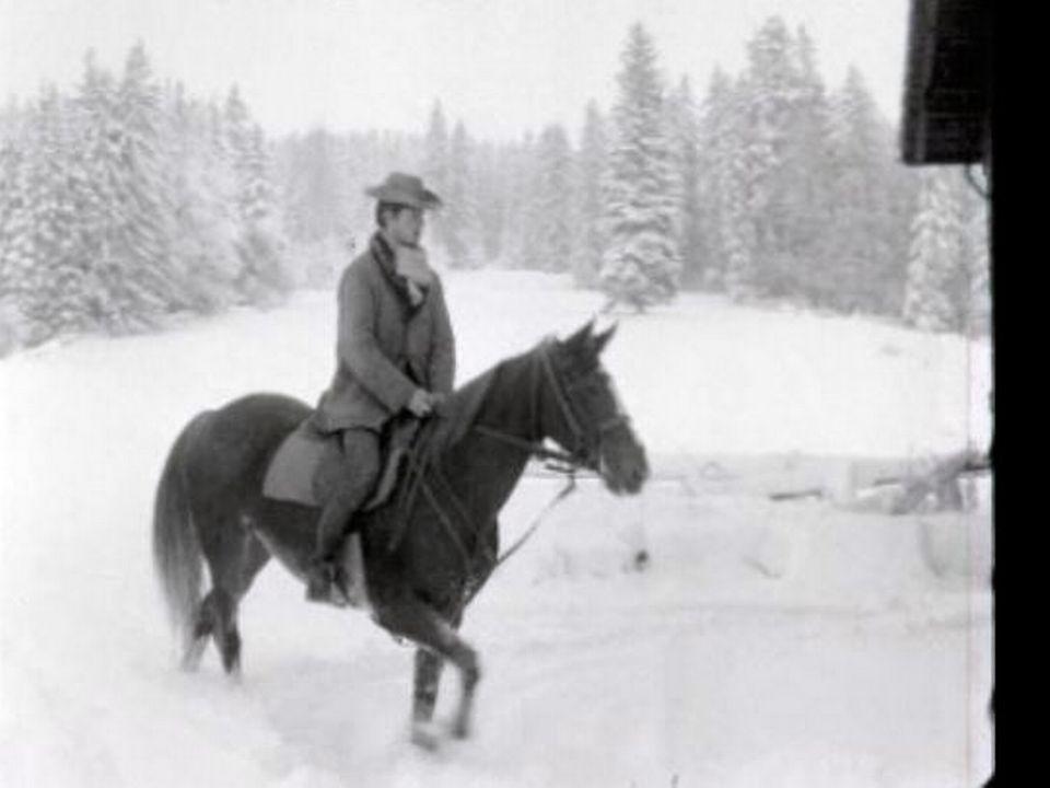 Jeune paysan de 20 ans près du Locle en 1966. [TSR]