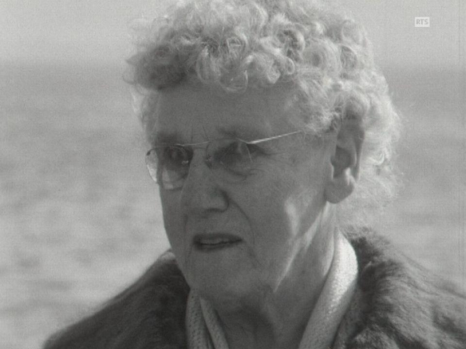 La Neuchâteloise Marthe Robert, ancienne championne de natation raconte. [RTS]