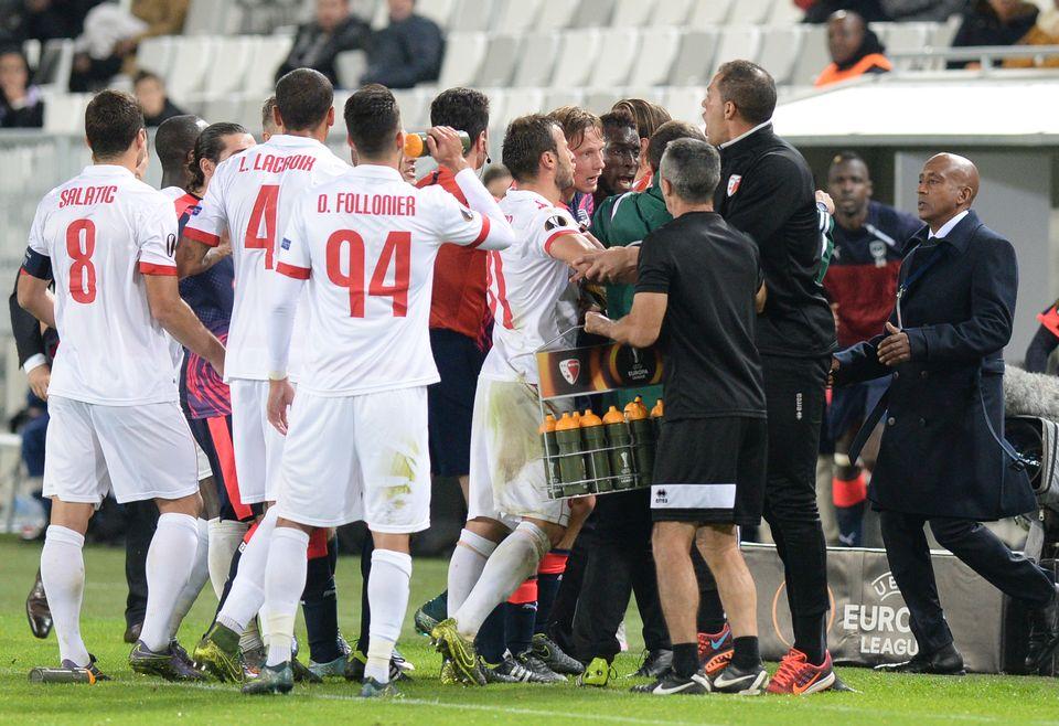 Europa league un joli cadeau valaisan pour didier tholot europa league - Cage a poule synonyme ...