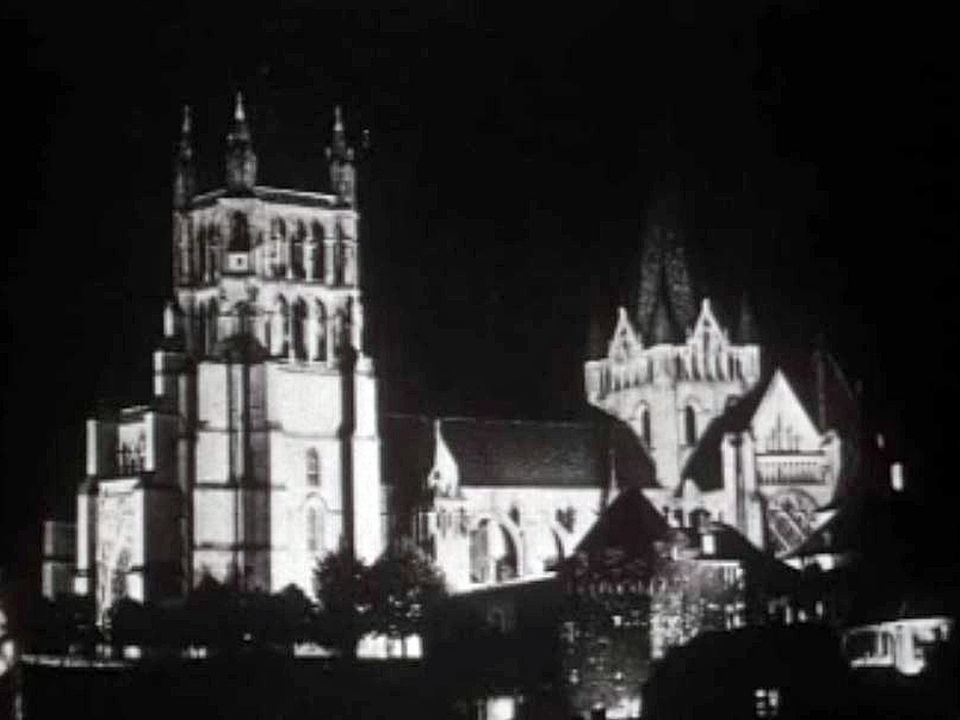 Des voeux pour 1961 depuis le beffroi de la cathédrale de Lausanne.